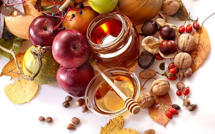 Скачать обои овощи, пиала, каштаны, баночка, листья, орехи, осень, шиповник, фрукты, еда, мед, груши, яблоки, ложка, раздел еда в разрешении 1920x1200