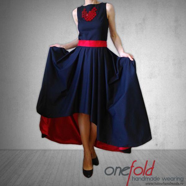 rochie de petrecere cu falduri bleumarin si rosu fld