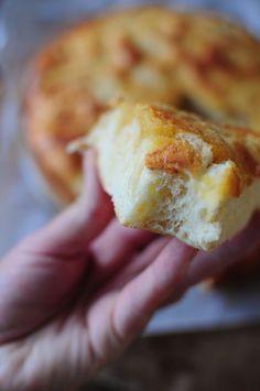 Oui je sais, encore une recette de tarte au sucre sur ce blog mais j'avoue un gros &faible& pour cette délicieuse tarte du Nord ! Cette fois j'ai décidé de garder comme base la recette de la brioche à le crème fraîche que j'avais tellement aimé et de...