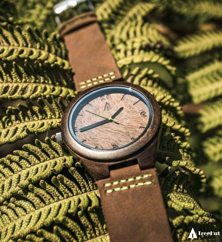 EBONY WATCH // WALNUT BURL PLAIN GREEN #walnut #natural #woodwatch #wood #watches #plants #green #treehut