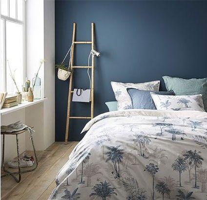 Un zeste de vert peut compléter à merveille une décoration bleue et blanche.