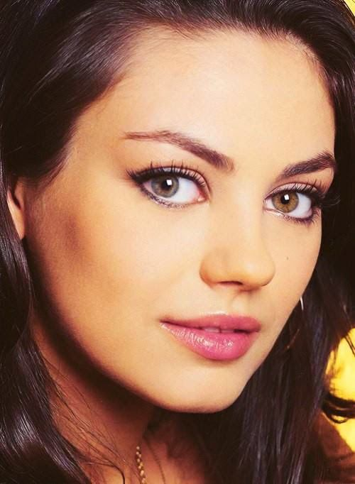 Mila Kunis prominent eye color variation