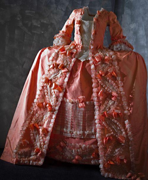 Robe A La Francaise: 490 Best 1770's Women's Clothing Images On Pinterest