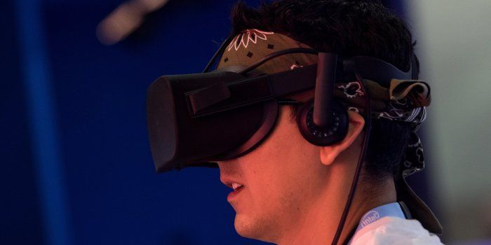 Facebook for the second time in 2017 is slashing the price of its Oculus Rift to jump-start sales after a rocky first year for the virtual-reality device. // Facebook Again Cuts Price of Oculus Rift VR Headset -- The price, which was lowered once already this year, will be lowered to $399 for the next six weeks