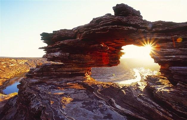 Image: Australia, Kalbarri National Park, Nature's window (© Bob Stefko/Stone/Getty Images)