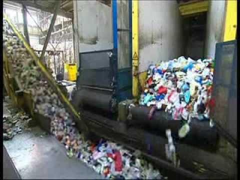 ▶ Plastic Recycling - wat gebeurt er met ons plastic afval? - YouTube