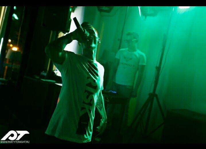 Доброго вечера и доброй ночи. Выехал только что в обратную дорогу с города Владимир в Москву. Выступления прошло просто отлично. Фото и видео выступлю по мере поступления.  #владимир #rap #rasha_mc #москва #colorfest2017 #газгольдер #2pac #тимати #russianmusicbox #рашидмамаев #музтв #music #blackstar #музыка #colorfest #timati #timatiofficial #радио #blackstarburger #lifenews #pashu #moscow #кино #blackstarmafia #шоубизнес #баста #останкино #gazgolder #rashamc #colordays