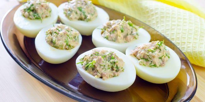 Закуска из печени трески и яиц