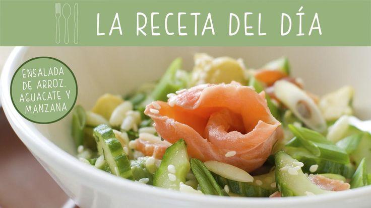 Prepara una #receta fresquita y muy completa con esta propuestas de ensalada de arroz con aguacate y manzana.