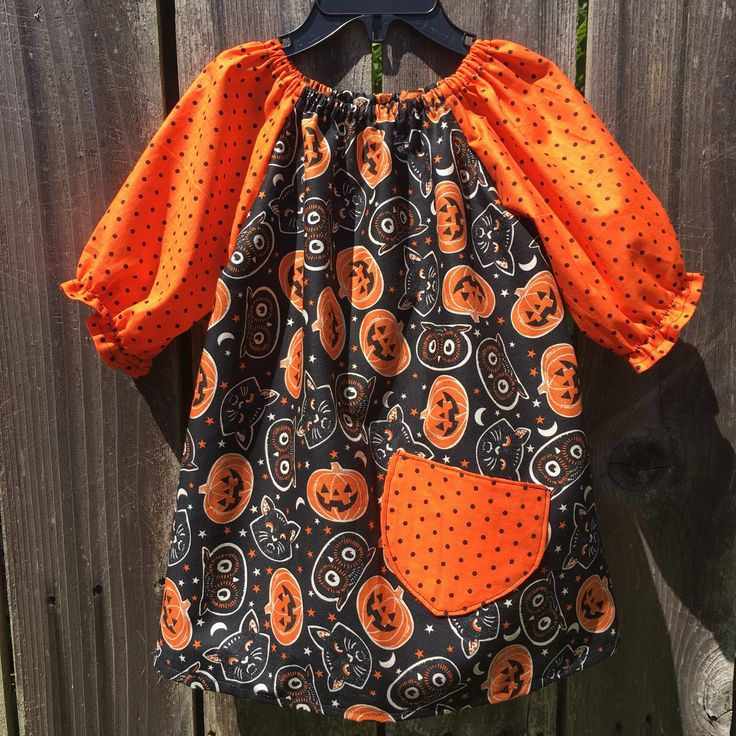 I'm gearing up for Halloween!! I know... it's a tad early. Let's finish back to school first right??? But seeing as baby 5 will be here beginning October, I need the head start :)
