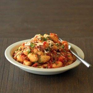 Gnocchi met Basilico saus en zongedroogde tomaten recept - Pasta - Eten Gerechten - Recepten Vandaag