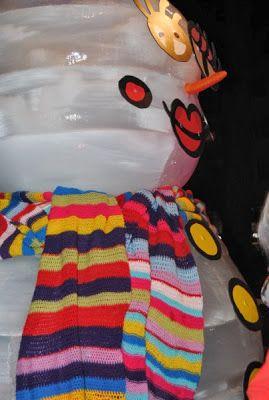Crochet scarf made by #Teiximelbarri Wrist Ice symbol of Christmas in L'Hospitalet, Barcelona, Spain.