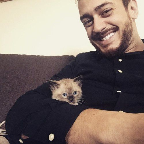 SAAD And Cat ..Too So Cute ❤