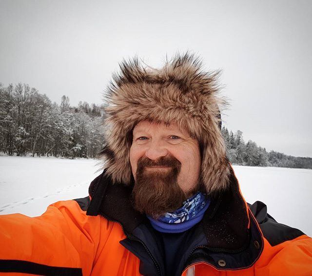 Just another winter day in Norway 🌞❄😎 #winterday#icefishing #furhat#fur#beard#beardman#visitnorway #ice#hat#selfie#fisherman #perch#abbor#pimpel#maggot #worn#vinter#hersjøen#ullensaker#nordic#isfiske#fisk#food#living#outdoor