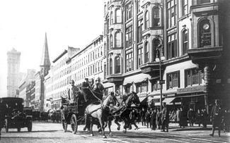 A horse-drawn fire engine en route to the burning Triangle Shirtwaist Factory.