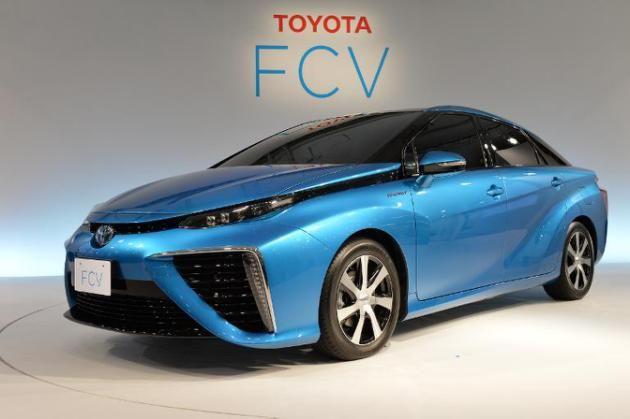 Toyota anuncia lançamento de carro movido a hidrogênio em 2015 - O veículo, que ainda está em fase de desenvolvimento, pode circular 700 quilômetros com apenas uma carga completa de hidrogênio, uma operação que leva três minutos