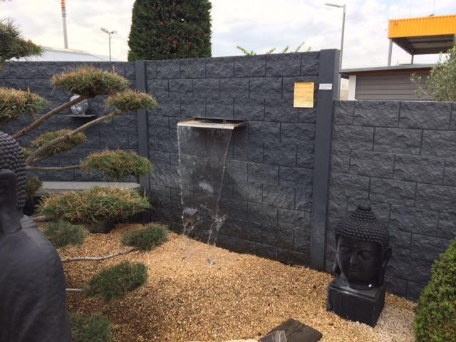 Japanse tuin met betonschutting schutting pinterest tuin en met for Tuin decoratie met stenen