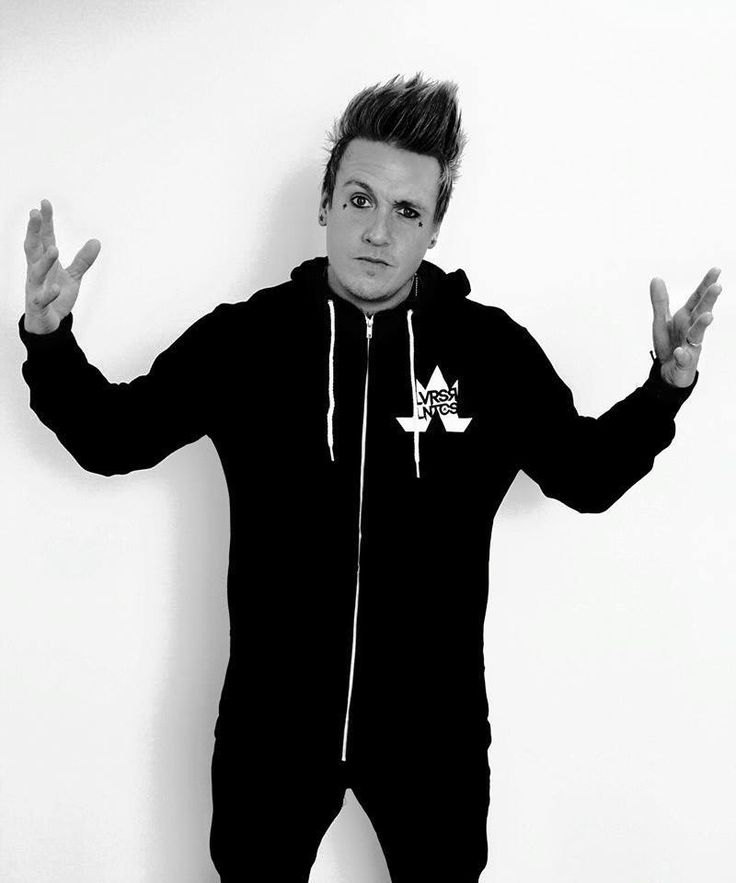 Jacoby shaddix : )