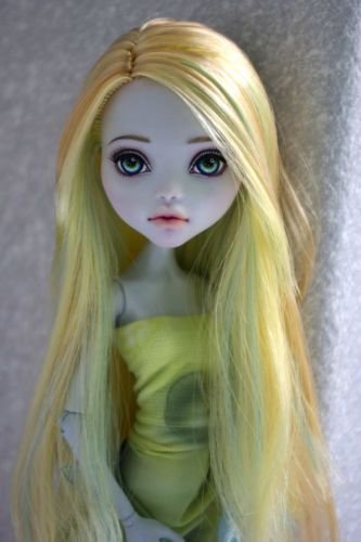 OOAK-Monster-High-Repaint-by-Hyangie  Erin, can you get me one, and how much? I love it.