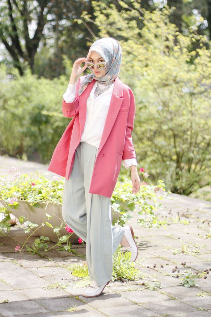 Indah Nada Puspita | Love the pink against the grey