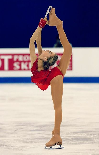 Elena Radionova // Biellmann spin // figure skating