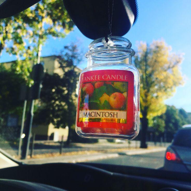 Zapach do samochodu Yankee Candle Macintosh.