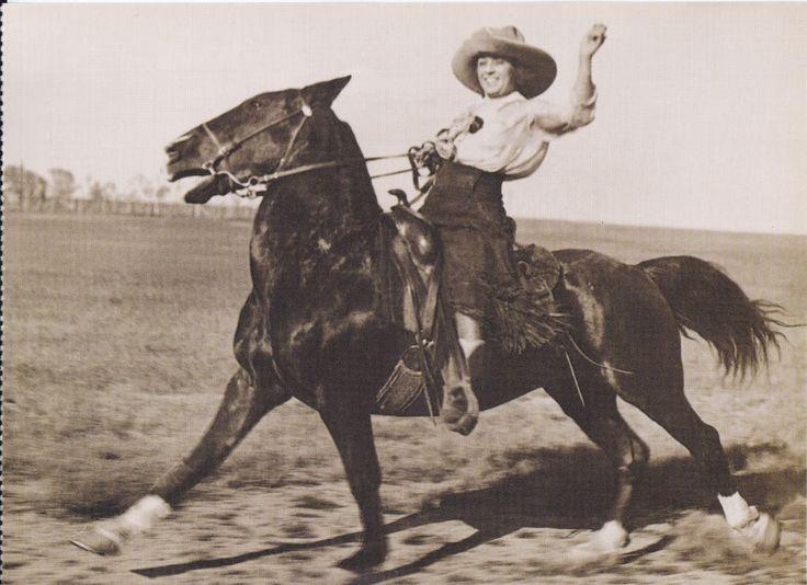 MISS WYOMING HELEN BONHAM RODEO COWGIRL HORSE POSTCARD