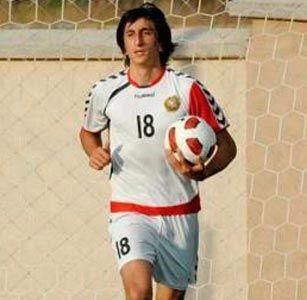 Проживающий в Санкт-Петербурге кандидат в сборную Армении до 19 лет Давид Аршакян в начале марта уехал во Францию, где проходил трехнедельный сбор.