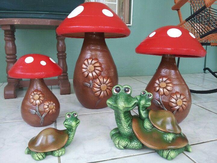 Hongos en barro y tortugas de cer mica para tu jard n o for Decoracion de jardines con jarrones de barro