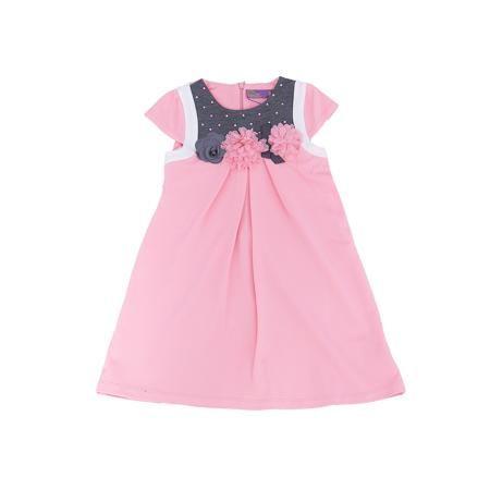 Sweet Berry Платье для девочки Sweet Berry  — 1799р. ----------- Нежное платье из новой коллекции фирмы Sweet Berry – романтичная модель для не менее романтичной девочки. Основной цвет – бледно розовый. Платье дополнено контрастными деталями серого цвета. На лифе платье прикреплены трикотажные цветы и приклеены розовые стразы. Цвет платья сочетается практически с любыми вещами и позволяет создать множество стильных образов. Материалы, использованные при изготовлении одежды, полностью…