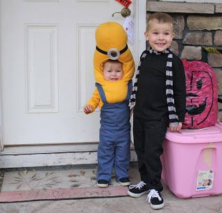 Gru and Minion Halloween Costume-hahaha that kids face is priceless
