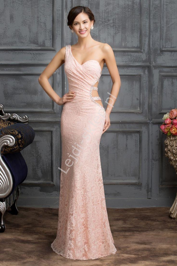 Pudrowo różowa suknia wieczorowa na jedno ramę z koronki | paski na boku i plecach