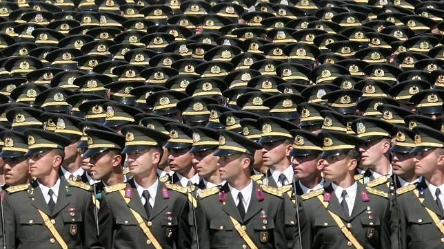 La paja en el ojo ajeno: El ejército turco oficializa la homofobia (en ABC, habitual y oficialmente homófobo en lo que al matrimonio gay se refiere...)