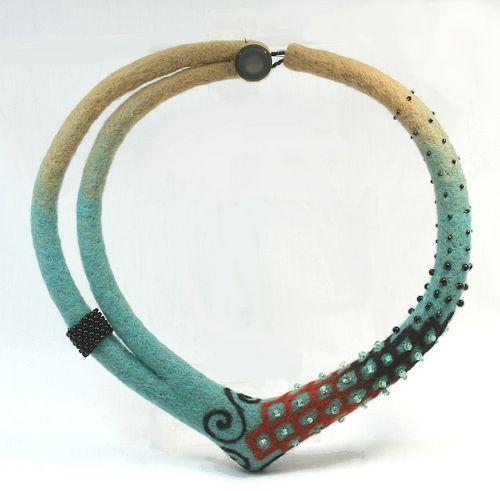 WIP - needle felted necklace | Flickr: Intercambio de fotos