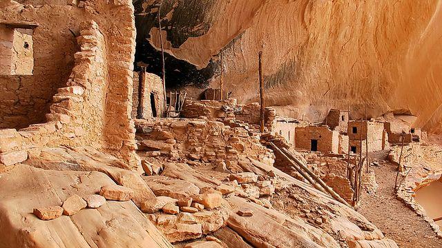 Cliff dwelling - Keet Seel - Kawestima - Navajo National Monument, via Flickr.