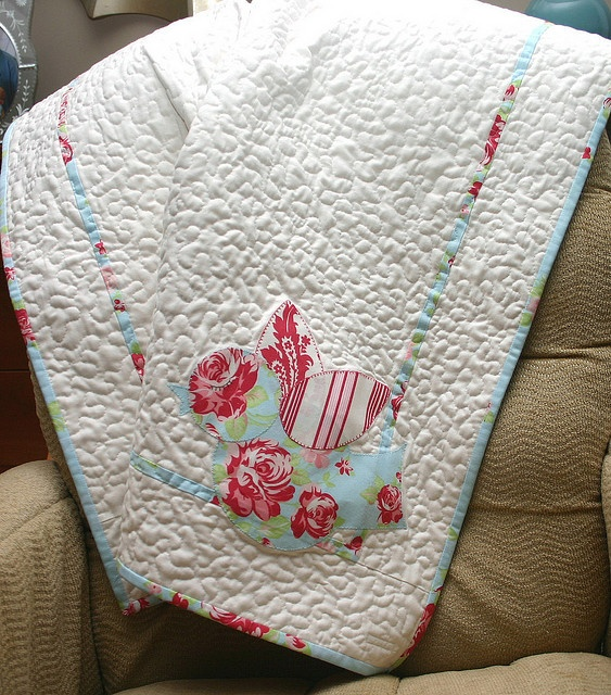 sweet little bird :): Sweet, Baby Quilts, Little Birds, Crafts Idea, Birds Quilts, Things Heid, Small Quilts, Quilts Addiction, Quilts Obsess