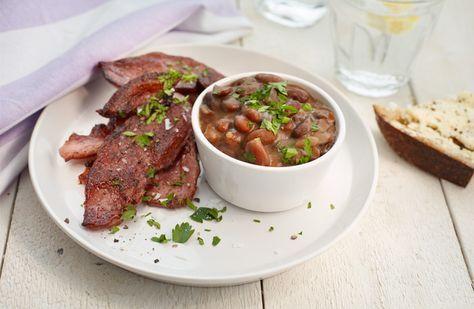 Bruna bönor med stekt fläsk – smakrik klassiker