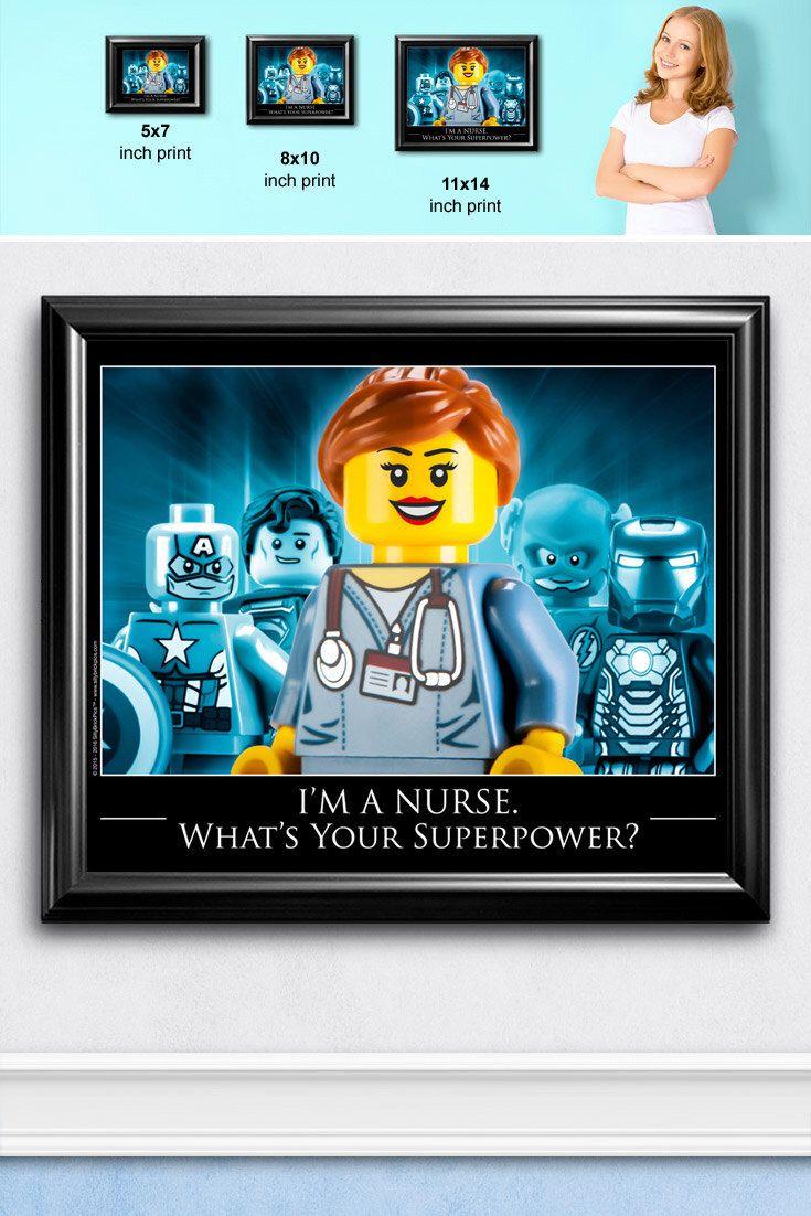 Krankenschwester Geschenk stellt für Krankenschwester Graduierung, Krankenschwester Anerkennung Kunstdruck - eingetragene Krankenschwester, RN Geschenkidee, für Krankenschwestern Woche LEGO® Krankenschwester Dekor von SillyBrickPics auf Etsy https://www.etsy.com/de/listing/236351089/krankenschwester-geschenk-stellt-fur