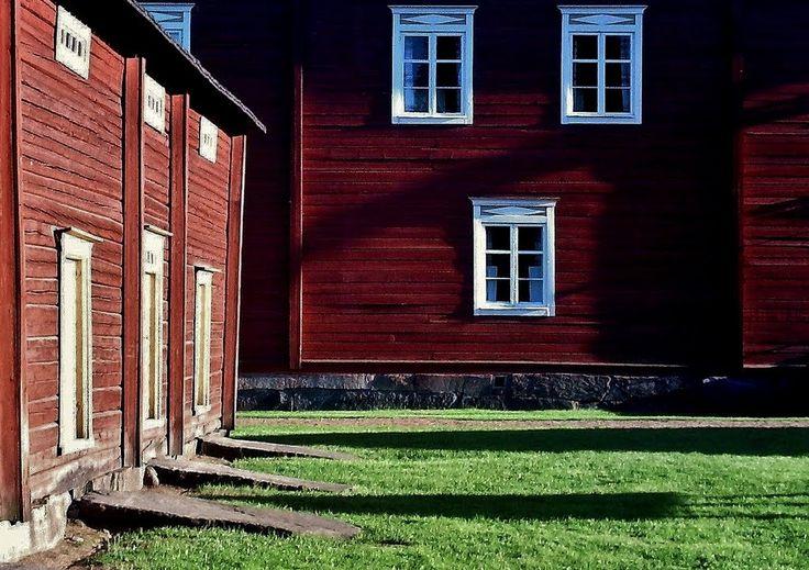 Farmstead windows and storehouse doors. - Yli-Laurosela farmhouse museum, Ilmajoki, South Ostrobothnia province, Finland