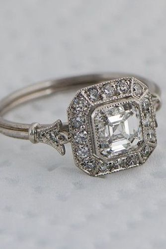 we dare you not to love these 24 vintage engagement rings - Old Fashioned Wedding Rings
