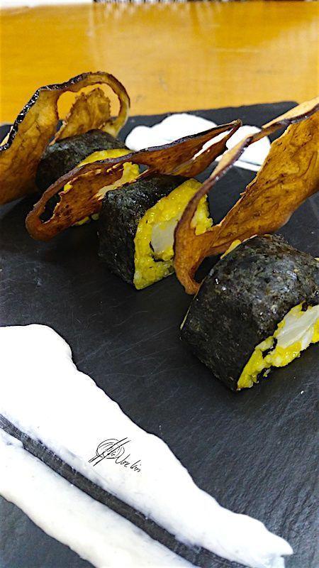 El sushi de bacalao…. la mezcla ideal de 2 de mis comidas favoritas, aromatizado con azafrán, porque a nadie le amarga un aroma tan especial no?. El caramelo de berenjena, si aún no lo has probado, te pierdes una golosina sanísima 😉 …. Ingredientes: 500 gr de bacalao salado (desalado) 200 gr de arroz glutinoso... Lea más