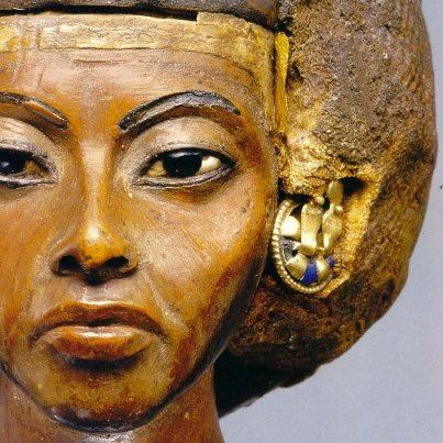 QUEEN TIYE: Queen and Great Royal Wife of Pharao Amenhotep III. Mother of Amenhotep IV/Akhenaten.