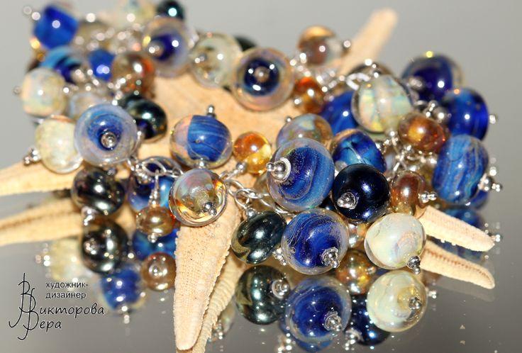 "Браслет ""Снегурочка"". Авторский лэмпворк Веры Викторовой, Серебро. SNOW LADY bracelet, glass beads handmade by Vera Viktorova, sterling silver."