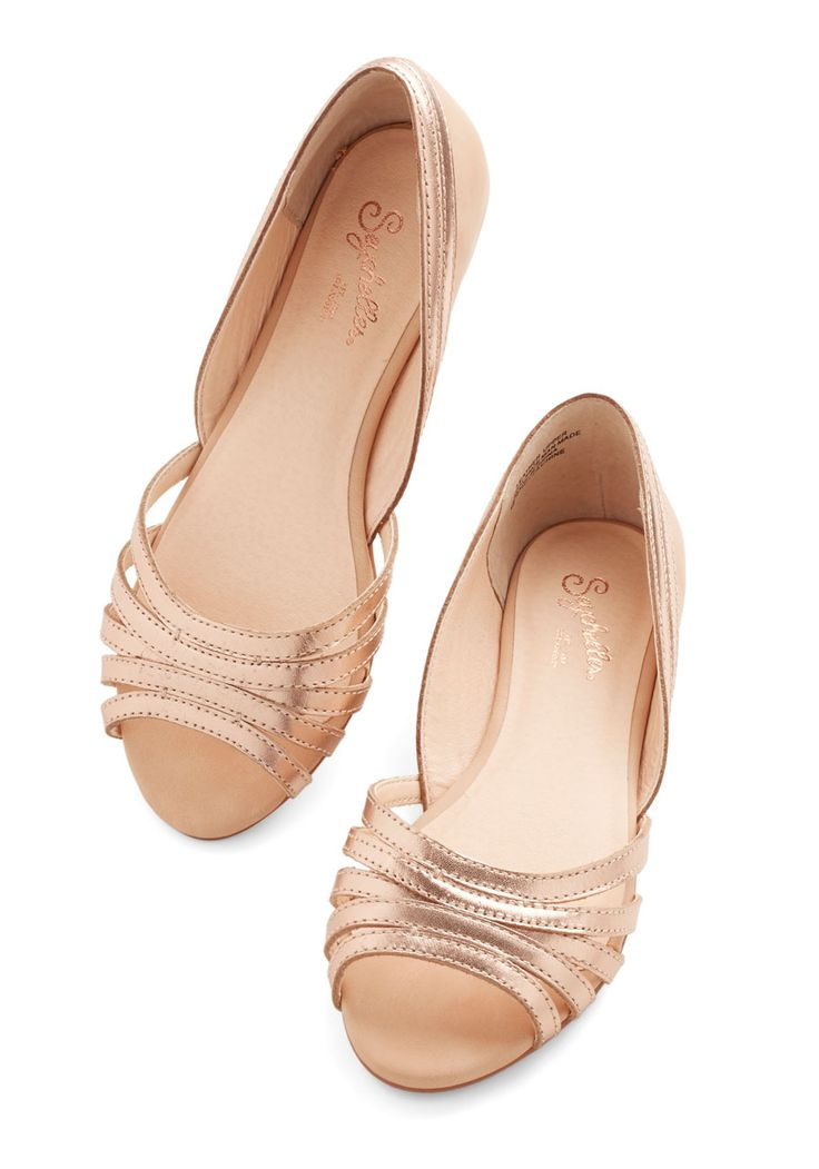 Plan Ahead Flat in Rose Gold. Life is full of unexpected adventures, but these strappy metallic flats from Seychelles keep you ready for anything! #gold #modcloth