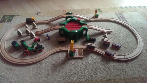 Brio-Holzeisenbahn-Set