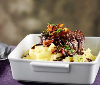 Ett matigt recept på skomakarlåda som är Närkes traditionella landskapsrätt. Du gör den av bland annat oxfilé, potatis, mjölk, bacon, rött vin och persilja. Mättar alla magar!