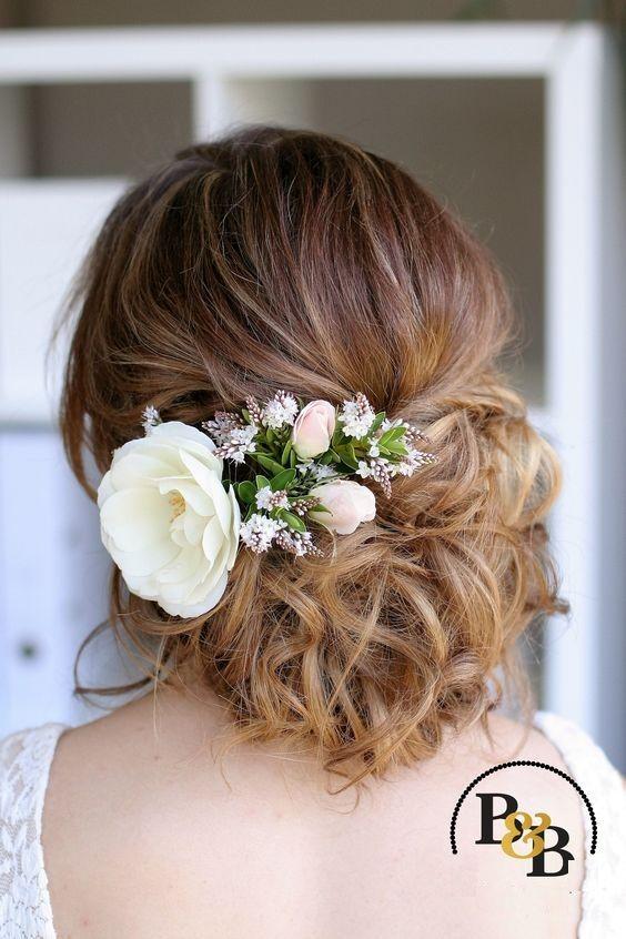 Dress Up Ihre Hochzeit Frisur Mit Frischen Blumen Wedding