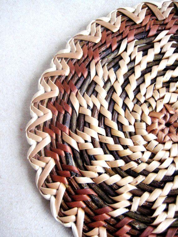 Handwoven wicker tablemat with wheat ear wheel by Viyaswickerworks, 16.34€/sh3.63