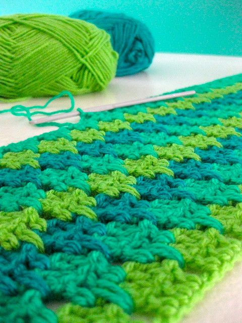 Larksfoot stitch afghan - picture only, but found ...