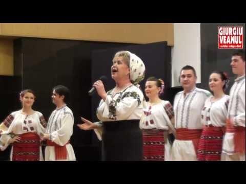 Renumita interpretă Mioara Velicu, o mare doamnă a cântecului românesc, a fost şi ea prezentă la Giurgiu, unde a încântat publicul cu câteva dintre frumoasele sale cântece moldoveneşti. Mioara Velicu a făcut un autentic show de muzică populară, presărând recitalul cu glume, spre deliciul publicului.  http://giurgiuveanul.ro